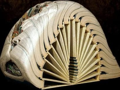20 gamle bøker ble gjort om til kunst