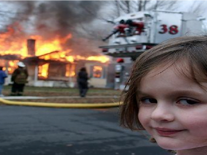 Caroline (9 år) tente på naboens hus etter at de pratet stygt om Justin Bieber!