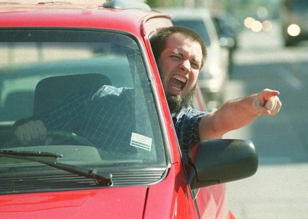 15 Reaksjoner alle som blir lett sinte i trafikken kjenner igjen