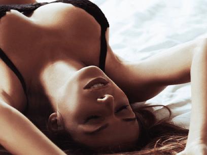 FORSKNING: Jenter som kommer mye for sent er oftere nymfomane enn andre!