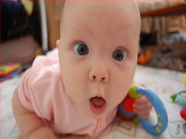 De 10 søteste og morsomste ansiktsuttrykkene babyer lager.