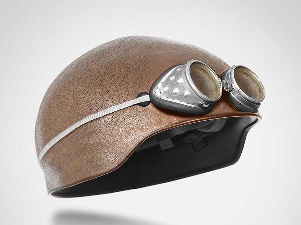 Snart kan disse hjelmene som ser ut som de er laget av menneske hud bli sett på veiene.
