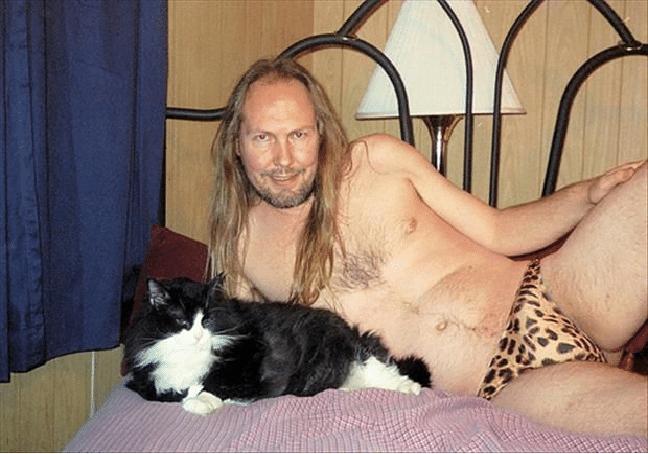 13 mest sexy mannlige modeller med verdens søteste katter!