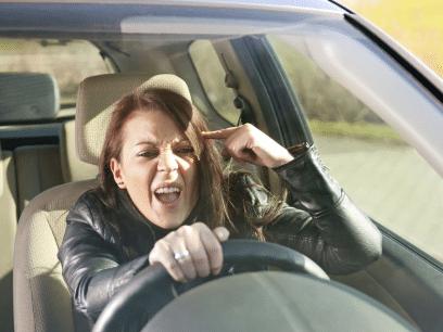 POLITIET SLÅR ALARM: Kvinner i overgangsalderen er en trussel i trafikken. Verre enn gravide.