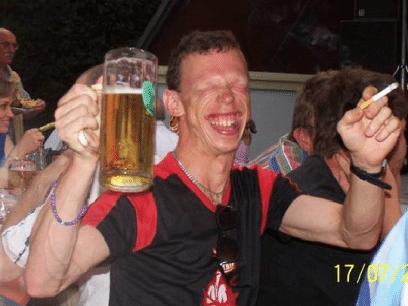 De beste grunnene til at det bør drikkes MASSE alkohol ved JUL og HØYTID!