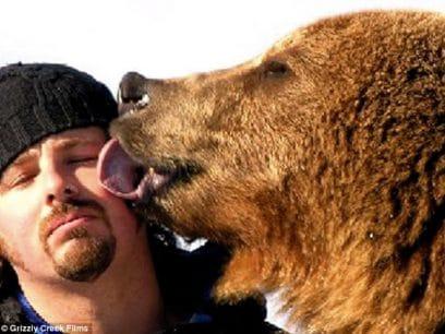 De rørende vennskap mellom mennesker og dyr - UNIK bildeserie!