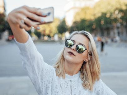 SISTE NYTT: Influencer og blogger (22 år) viste seg å bare være en vanlig jente uten jobb