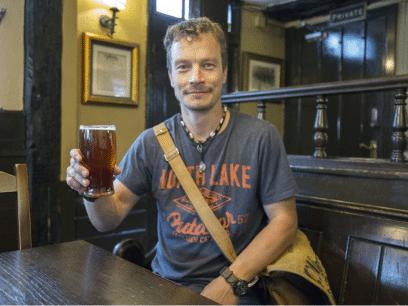 Odd (34 år) sa han ALDRI skulle drikke mer etter forrige helg. Nå gleder han seg til ny fest i kveld
