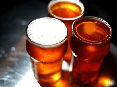 Forskning: Fyllesyke og dumme handlinger viser seg å være direkte linket til brun drikk med kullsyre