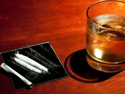 NORSK LEGE: Vodka og kokain uten tvil den beste kuren mot fyllesyke dagen derpå