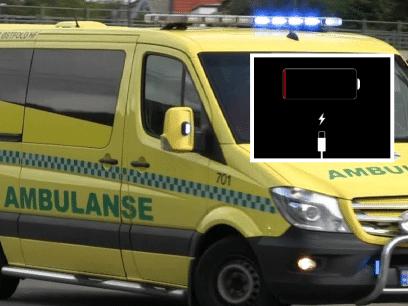 AKKURAT NÅ: Kvinne kjørt til sykehus med panikkanfall etter å ha mistet all strøm på telefonen sin