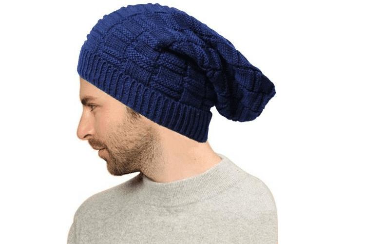 GLAD NYHET FOR SKALLEDE MENN: Nå kan man skjule hode med lue igjen. Endelig vinter!