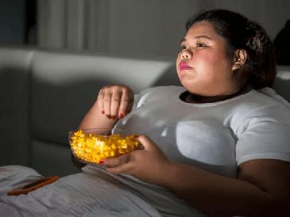 SISTE NYTT: Kvinne på slankekur spiste 12 vafler, ostepop og 4 kokosboller mens hun glemte å trene igjen