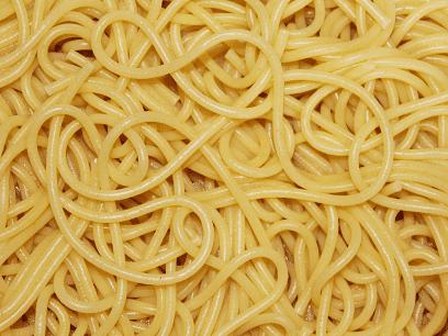 SISTE NYTT: Mann skulle bare lage en liten porsjon spagetti. Endte opp med 890 porsjoner
