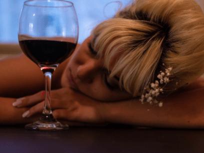 Kvinne (32 år) har bestemt seg for å kutte ned på rødvinen ved å bytte til Gin&tonic