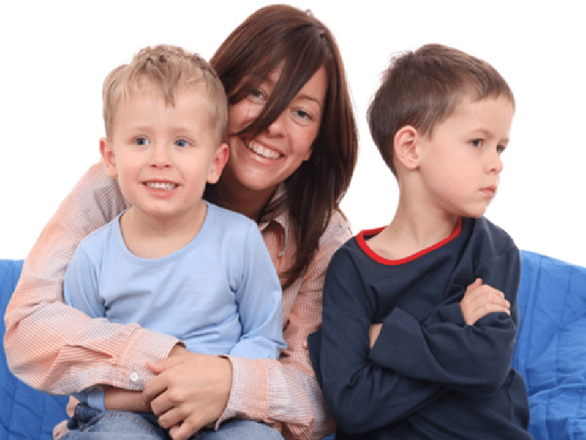 FORSKNING: De fleste foreldre er alltid mer glad i den eldste av barna sine