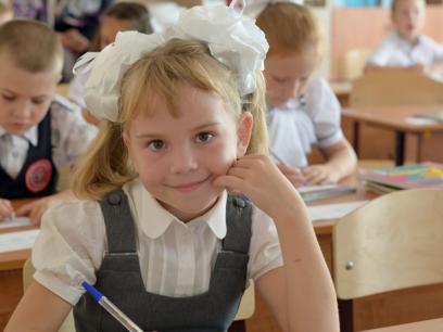 SISTE CORONA-NYTT: Regjeringen sender barna tilbake på skolen for å se hva som skjer