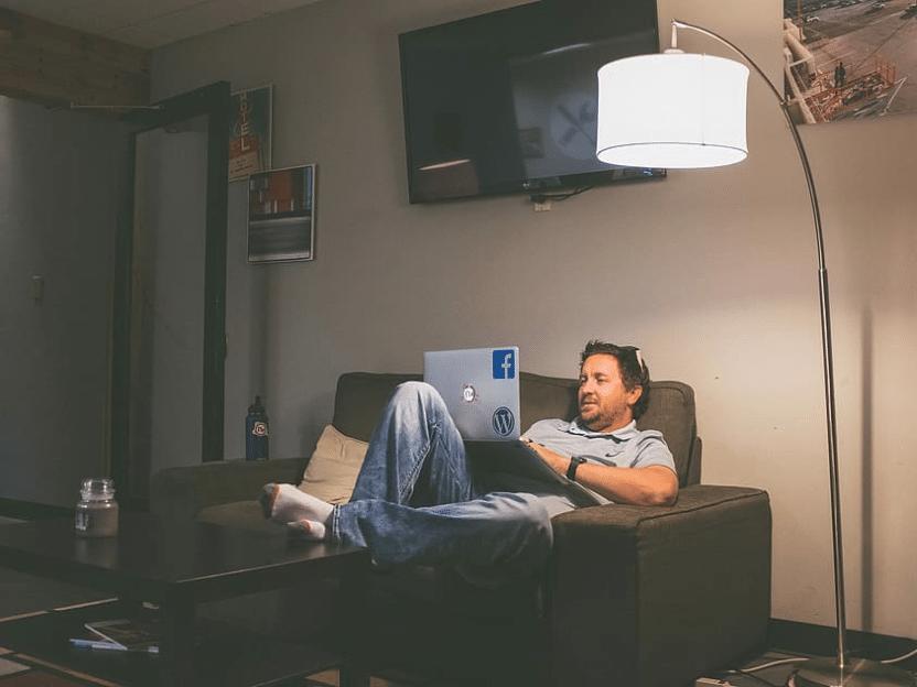 ENDELIG PÅSKEFERIE: Skal bli godt med noen dager hjemme i stua